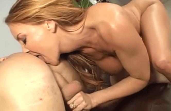 Mama obrovské prsia porno