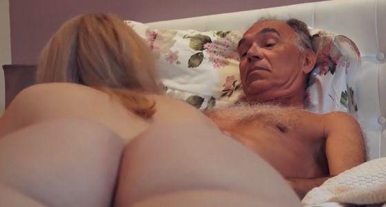 Sledujte zadarmo Sex video online eben MILF Strapon