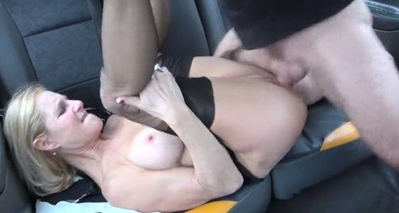 Horúce porno MILFka